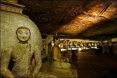 Dambulla rock cave temples